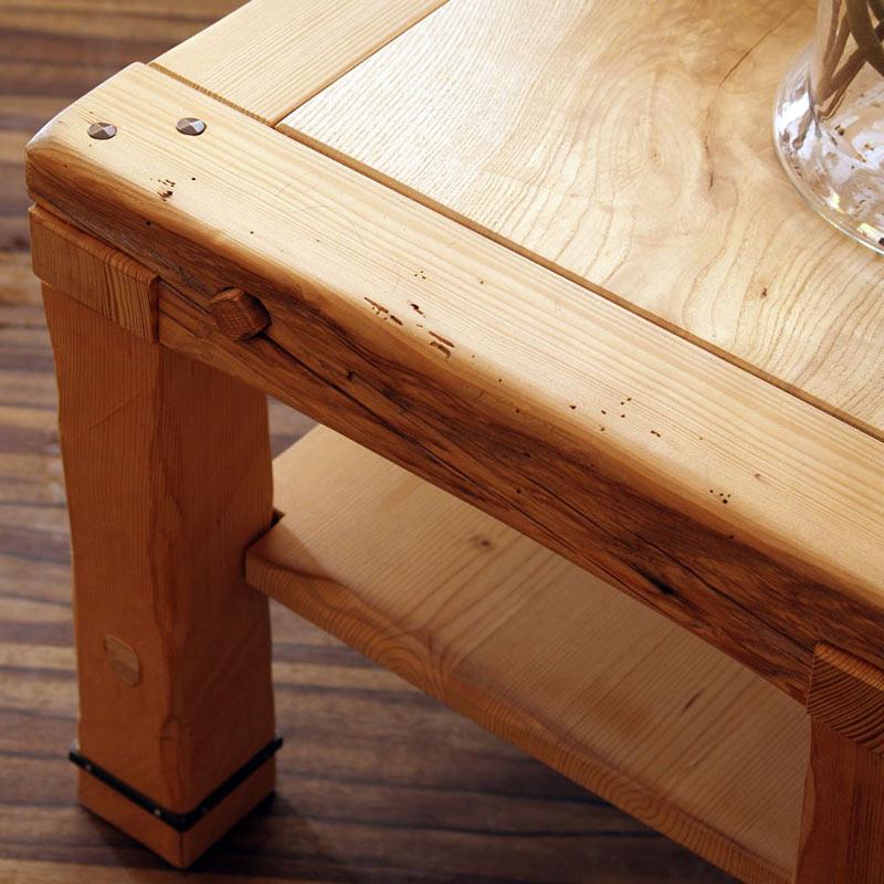Tisch aus Altholz rustikal