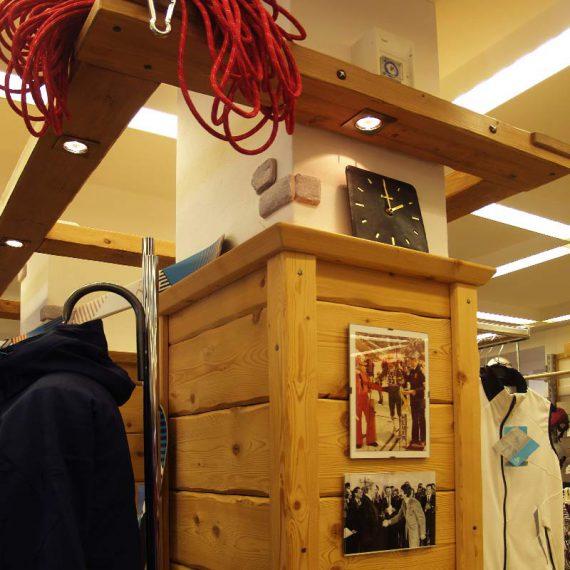 Schreiner Gmund-Tegernsee Ladenbau Säulenverkleidung