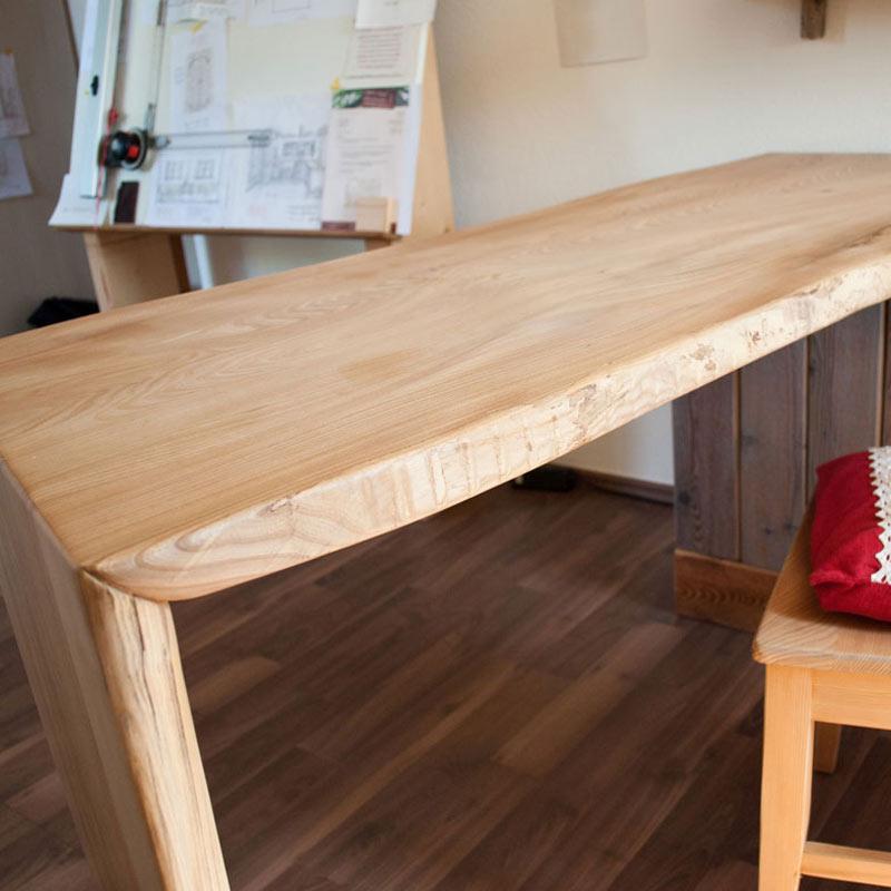 Schreibtisch Massivholz mit Baumkante