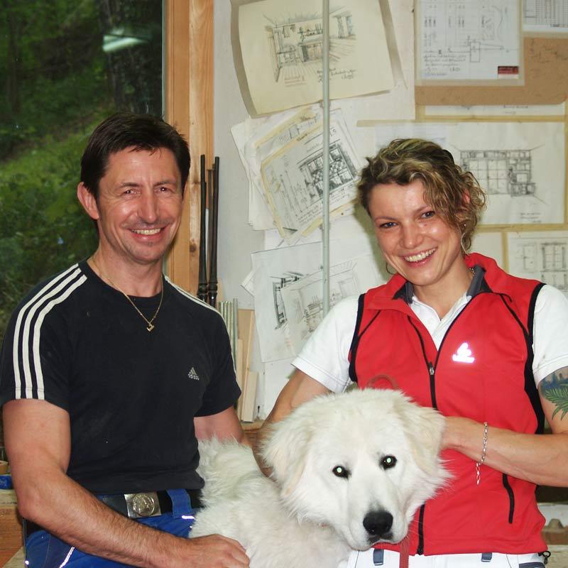 Bild Albert und Susan Menge mit Hund