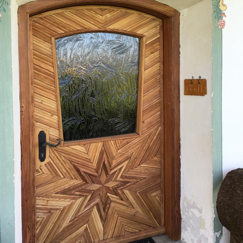 Alte Haustüre sandgestrahlt und lasiert