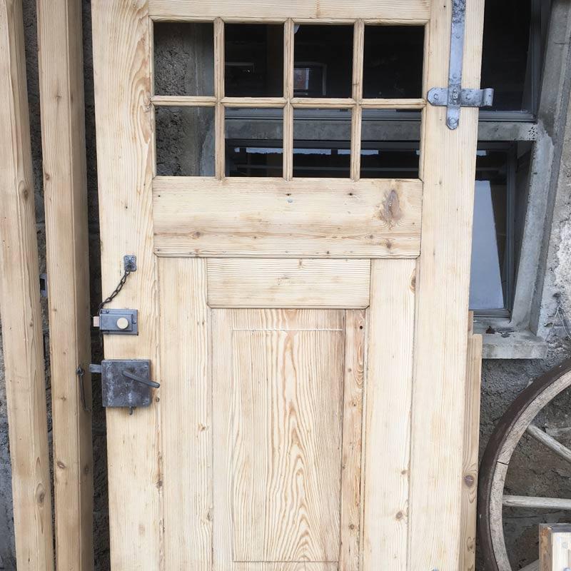 Alte Haustüre nach Sandstrahlen