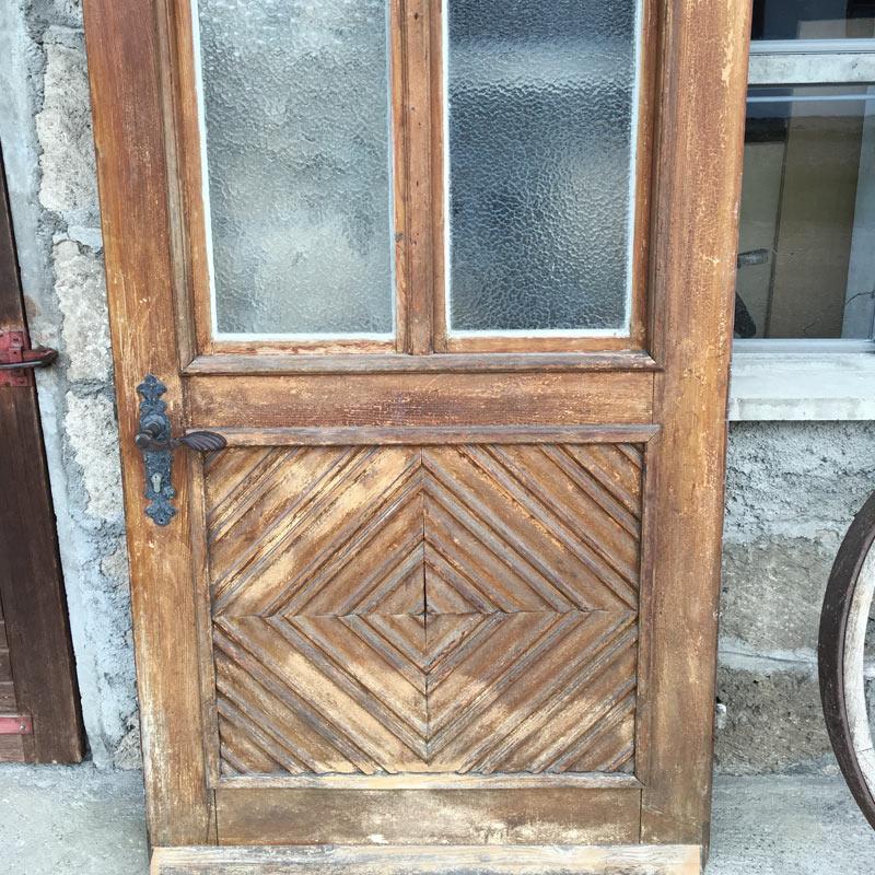 Alte Haustüre vor Behandlung aussen