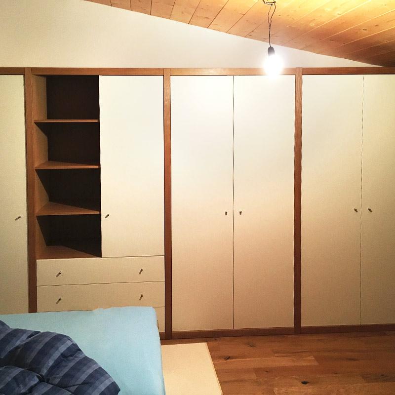 Schlafzimmer Schrankwand mit Rahmen Eiche