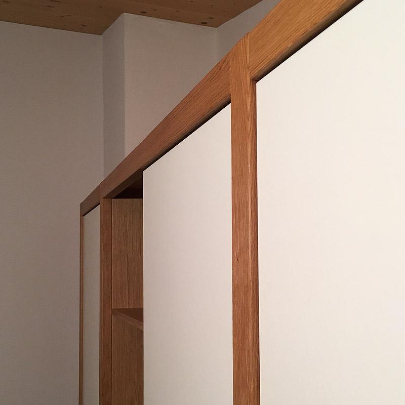 Schlafzimmer Schrankwand mit Rahmen Eiche Detail